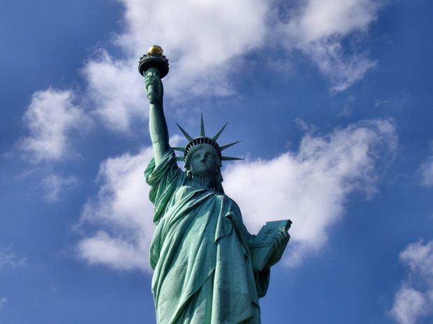 statue-of-liberty-1045266_1920